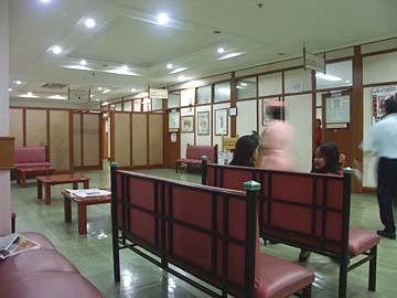 in der HNO-Abteilung des Krankenhauses in Bandung, Westjava, Indonesien