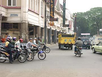 Bandung entlang der Jl. Braga in Westjava, Indonesien