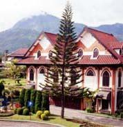 das Royal Orchids Garden Hotel in Malang im Osten von Java, Indonesien