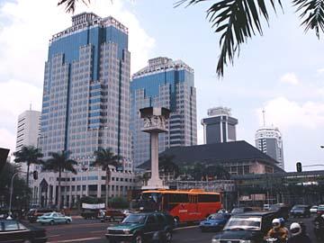 Hochhäuser an der Jl. Thamrin in Jakarta auf der Insel Java, Indonesien