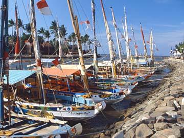 der gepflegte Hafen von Ancol im Norden von Jakarta, Java