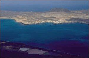 Der Blick von Lanzarote auf la Garciosa...
