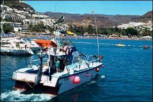 Am Hafen von Puerto Rico im Süden von Gran Canaria