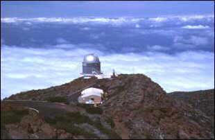 eines der Riesenteleskope am Roque de los Muchachos, La Palma, Kanaren