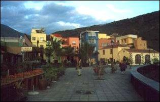 An der Promenade von Puerto de Tazacorte, La Palma, Kanaren