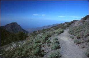 wir queren den Grat zu Fuß, La Palma, Kanaren
