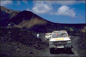 Fahrt durch die Vulkanlandschaft Timanfaya auf Lanzarote