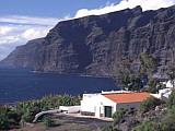 Der stimmungsvoller Ort Los Gigantes nahe der Steilküsten von Teneriffa
