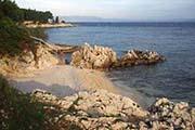 Eine schöne Badebucht bei Rabac an der Küste Istriens