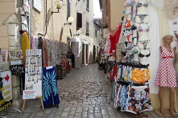 Einkaufsstraße in Porec, Istrien, Kroatien