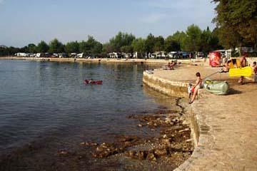 Strand beim Campingplatz in Vrsar, Istrien/Kroatien