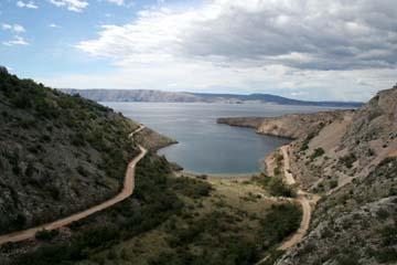 Blick von der Küstenstraße zu den Inseln, Kroatien