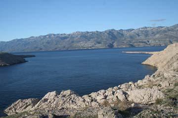 Aussicht von der Brücke zur Insel Pag, Kroatien