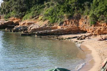 Badebucht auf der Insel Rab, Kroatien
