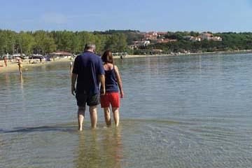 am Badestrand in Lopar, Insel Rab, Kroatien