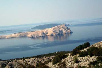 Blick vom Festland auf vorgelagerte Inseln, Kroatien