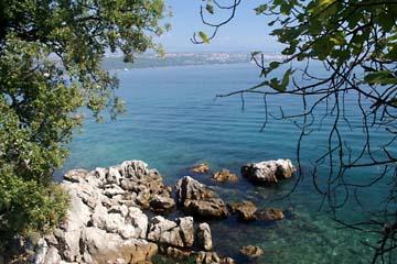 schöne Badebuchten bei Opatia, Kroatien