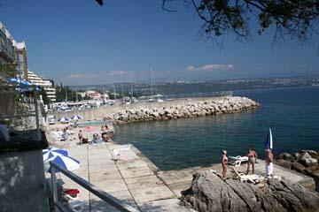 Badestrand in Opatia, Kroatien