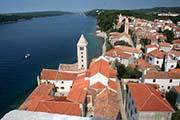 Die Stadt Rab vom Turm der Insel Rab in der Kvarner Bucht