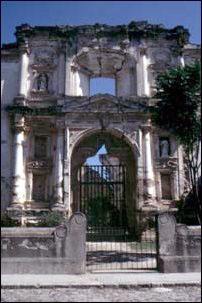 Kirchenruinen in Antigua, Guatemala