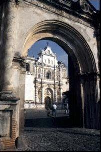 koloniale Bauten im Zentrum von Antigua, Guatemala