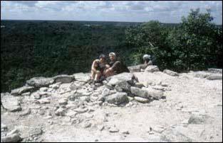 Weiter Blick von den Ruinen von Coba in Mexiko