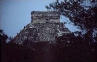 die Hauptpyramide von Chichen Itza, Mexiko