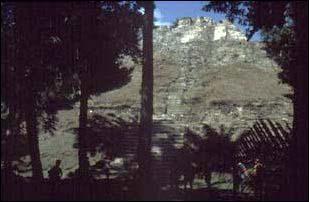 die Maya Ruinen von Lamanai, Belize