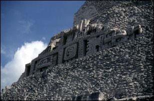 die Ruinen von Xunantunich, Belize