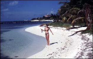 Am Strand der Isla Mujeres in Mexiko