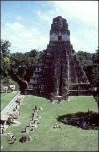 Tempel 1 in Tikal, der Maya Ruinenanlage in Guatemala