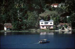 Ausblick über Petén-Itzá-See bei Flores in Guatemala
