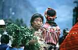 Eine alte Marktfrau in Zunil bei Quezaltenango in Guatemala