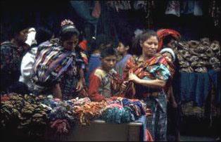 auf dem Markt von Chichicastenangom Guatemala