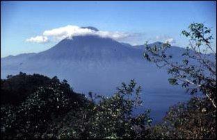 der Vulkan San Pedro am Atitlan-See, Guatemala