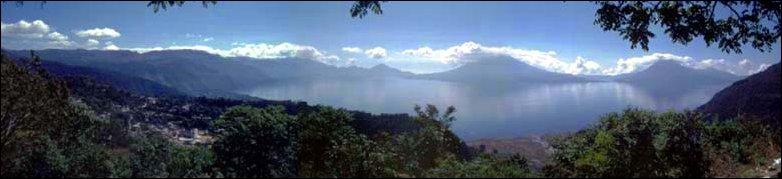 Panorama über dem Atitlan-See, Guatemala