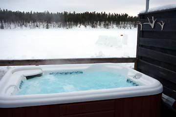 schneeschuhwanderung in lappland im winter von finnland. Black Bedroom Furniture Sets. Home Design Ideas