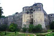 Das mächtige Schloß von Angers im Loiretal im Nordwesten von Frankreich