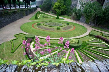 Blick in den Schloßgarten von Angers, Loiretal