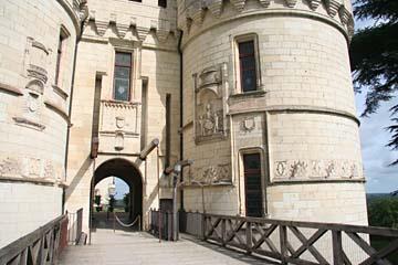 Eingangsportal zum Schloß Chaumont-Sur-Loire