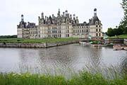 Blick zum Schloß Chambord an der Loire in Westfrankreich