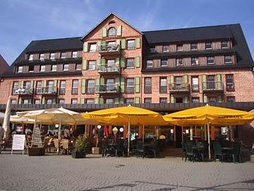 Waren, Promenadeplatz am Stadthafen
