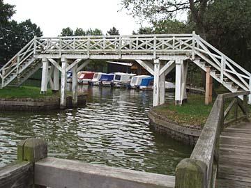 Neustrelitz, weiße Brücke am Zierker See