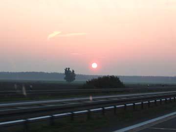 Neuruppin, Sonnenaufgang auf der Autobahn (Brandenburg)