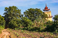 Der schiefe Nanmyint Turm in Ava bei Mandalay