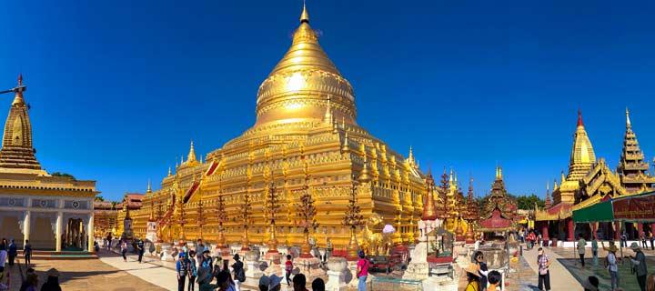 Panorama der Shwezigon-Pagode in Nyaung U bei Bagan in Myanmar