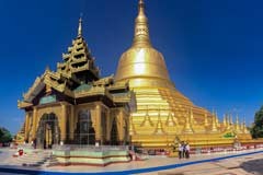 Die Shwemawdaw Pagode in Bago ist mit 114 m Höhe die größte Tempelanlage in Myanmar