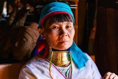 Traditionelle Padaung Frau mit Halskrause in Myanmar