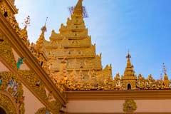 Goldene Verzierungen an der Mahamuni-Pagode in Mandalay