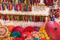 Wunderschöne handgemachte Schirme gibt es in Pindaya zu kaufen
